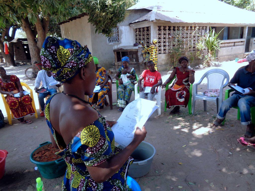 Donne-protagoniste-attività-orto-lezioni-aula-Guinea-Bissau-Mani-Tese-2017