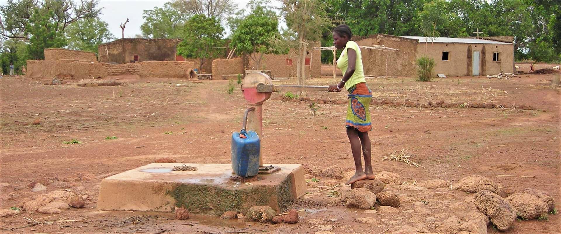 Pozzo_Burkina_Faso_Mani_Tese_2017