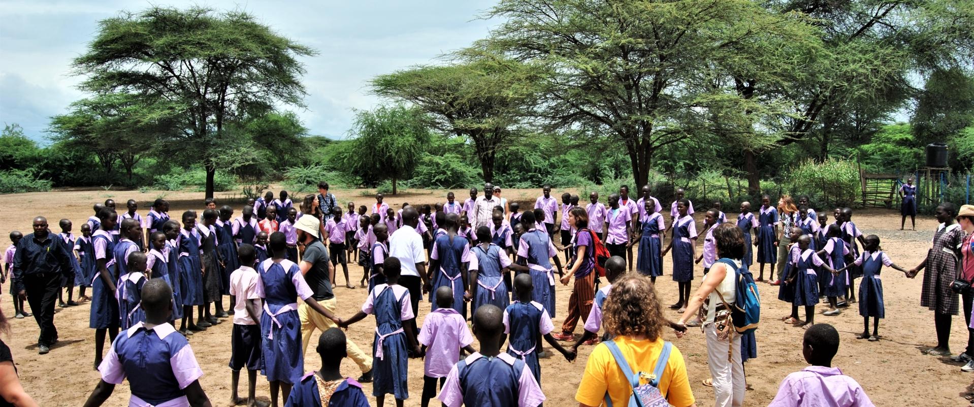 bambini scuola girotondo Kenya Mani Tese 2017