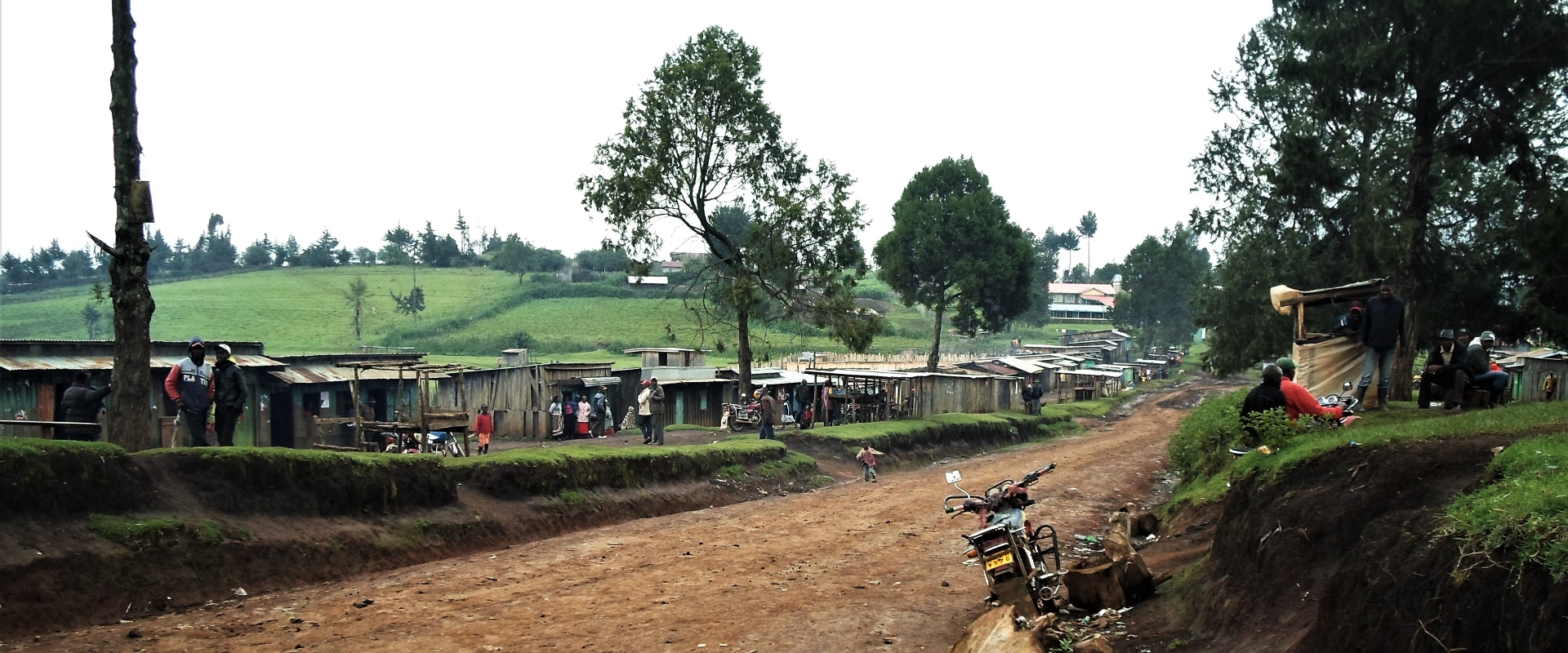 moto strada baracche Kenya Mani Tese 2017