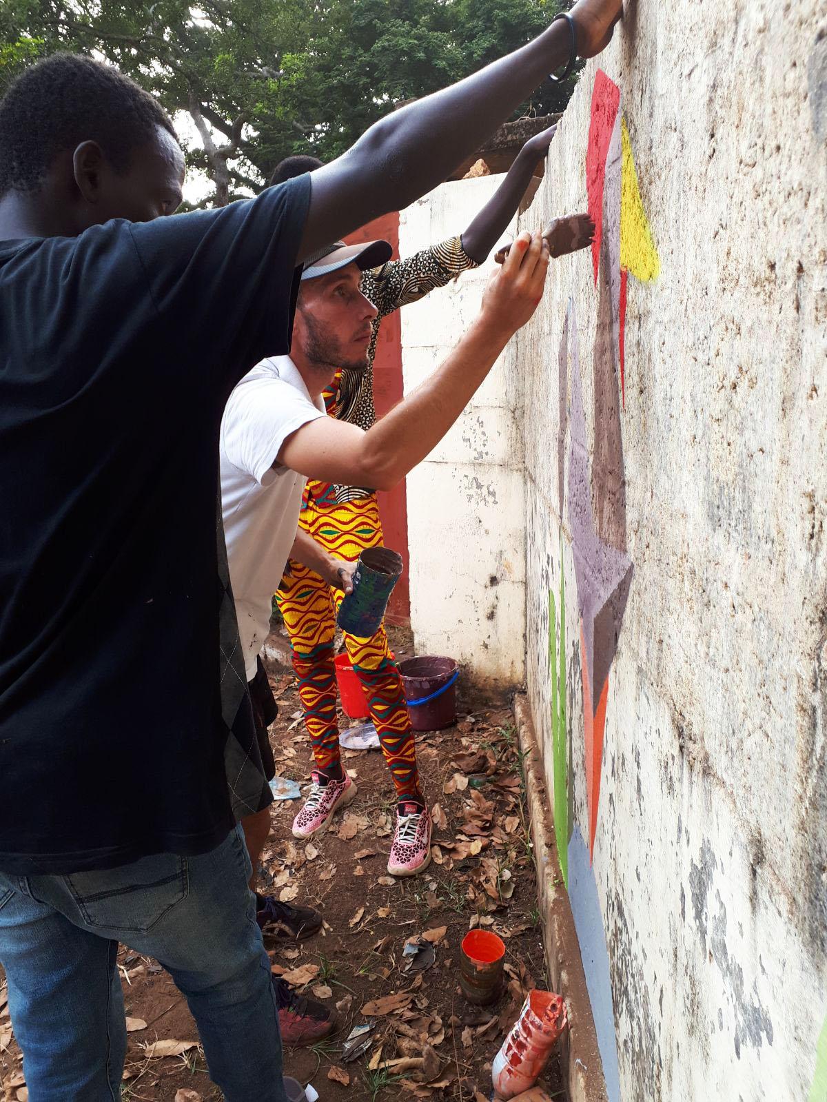 street art gallo giovani Mani Tese Guinea Bissau 2017