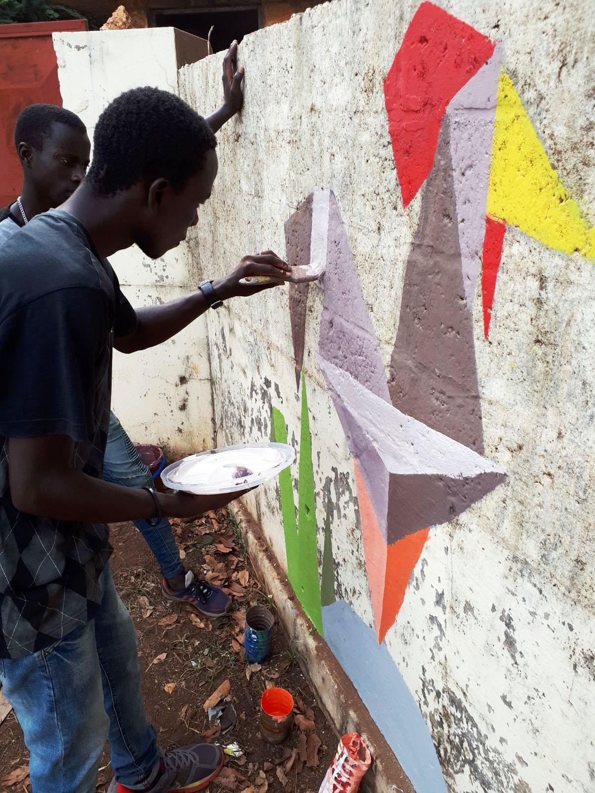 street art giovani pittura Mani Tese Guinea Bissau 2017