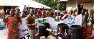 consegna materiale agricolo Guinea Bissau Mani Tese 2018