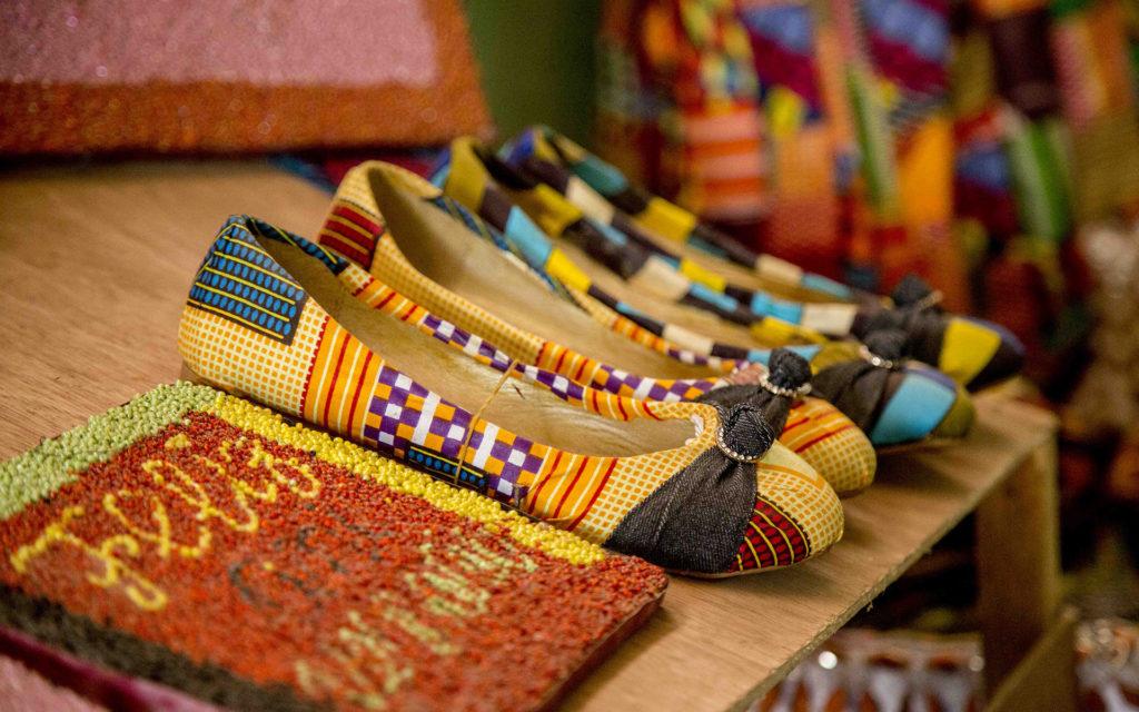 scarpe ballerine tessuti africani Guinea Bissau Mani Tese 2018