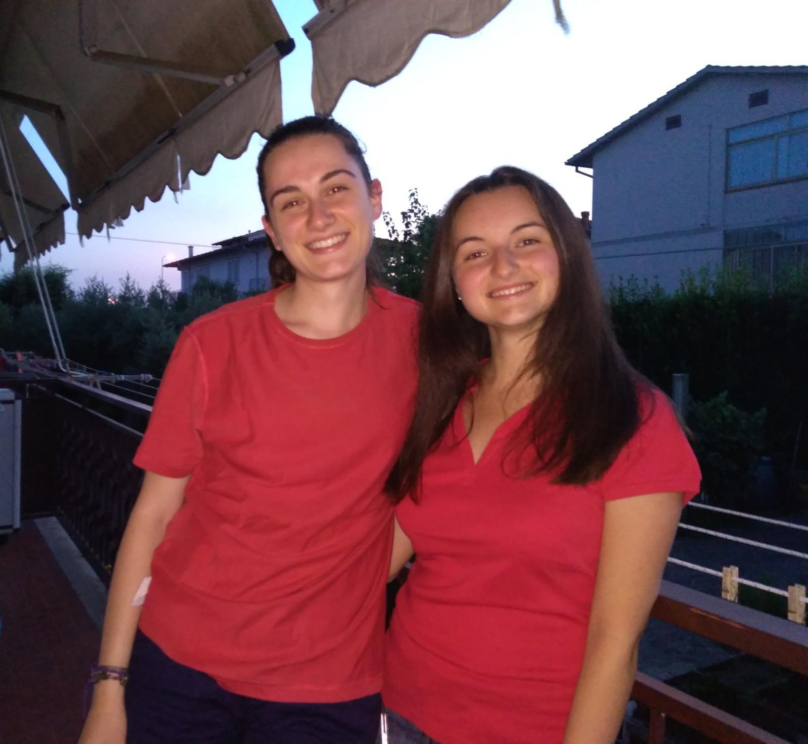 magliette rosse mani tese firenze 2018