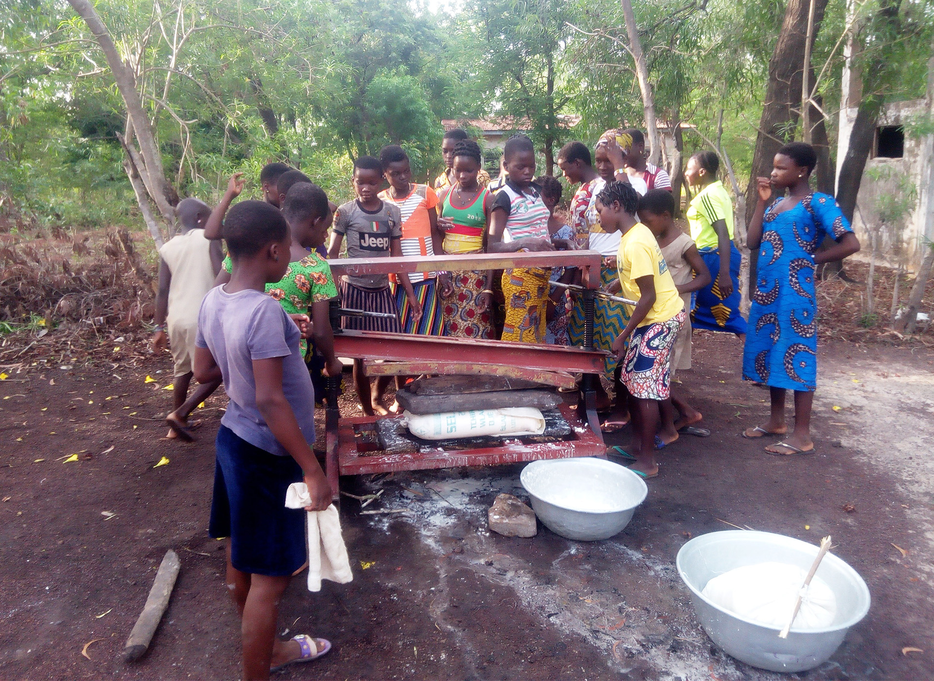 trasformazione manioca atelier formazione Benin Mani Tese 2018
