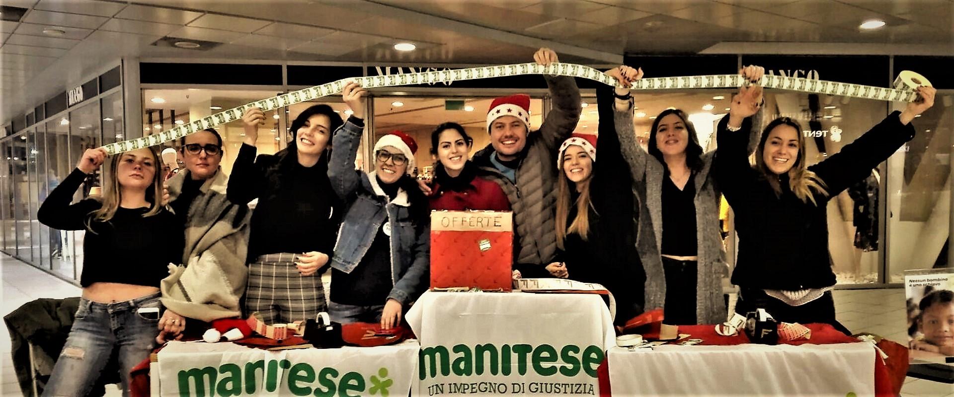 Molto piu di un pacchetto regalo Mani Tese 2018 main cover volontari
