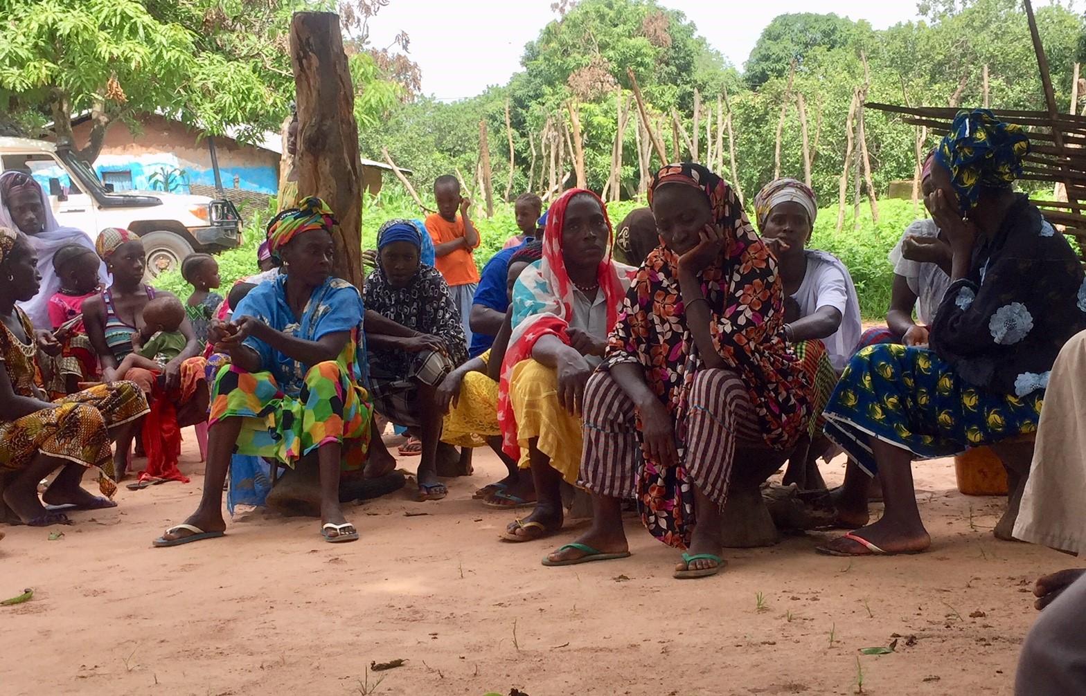riunione rifugiati senegalesi_guinea bissau_mani tese_2018
