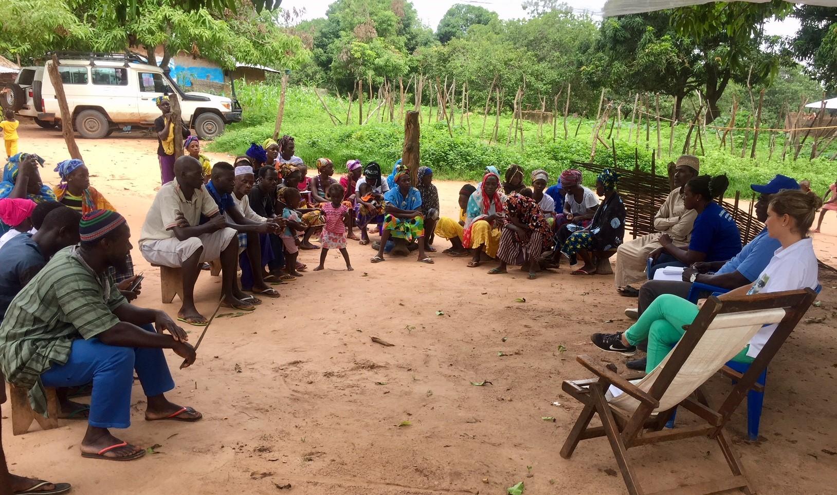 riunione rifugiati senegalesi_guinea bissau_mani tese_2018_2