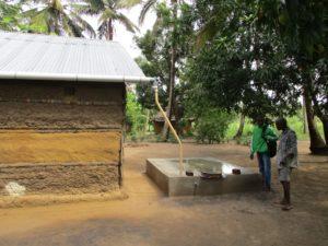 sistema raccolta acqua piovana Mozambico Mani Tese 2018