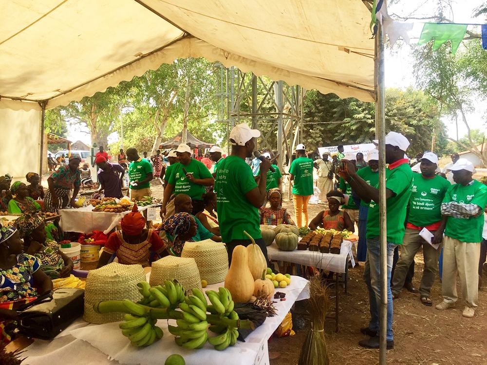 fiera comunitaria senegalesi guineensi Mani Tese Guinea-Bissau 2019