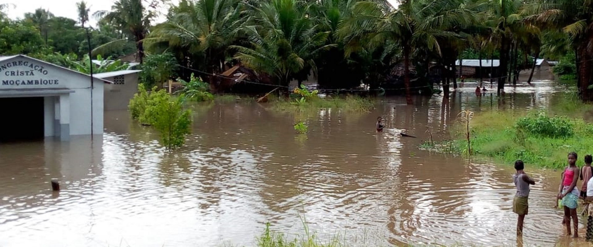 inondazioni mozambico mani tese 2019 cover