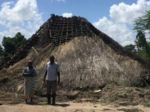 casa distrutta alluvione emergenza mozambico mani tese 2019