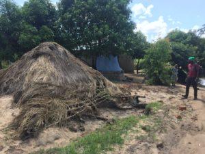 nicoadala casa distrutta alluvione emergenza mozambico mani tese 2019
