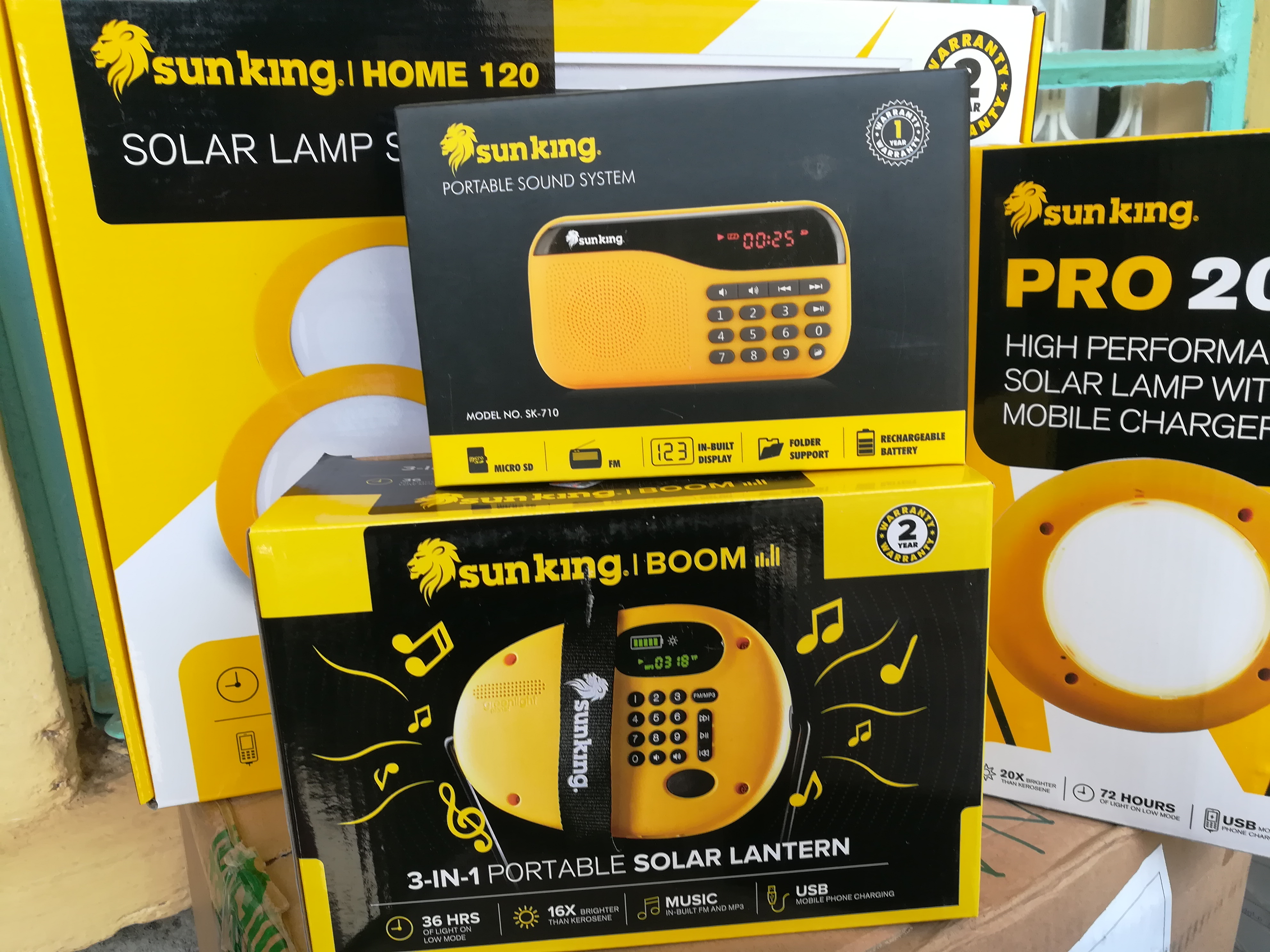 lampade solari prodotti mani tese 2019