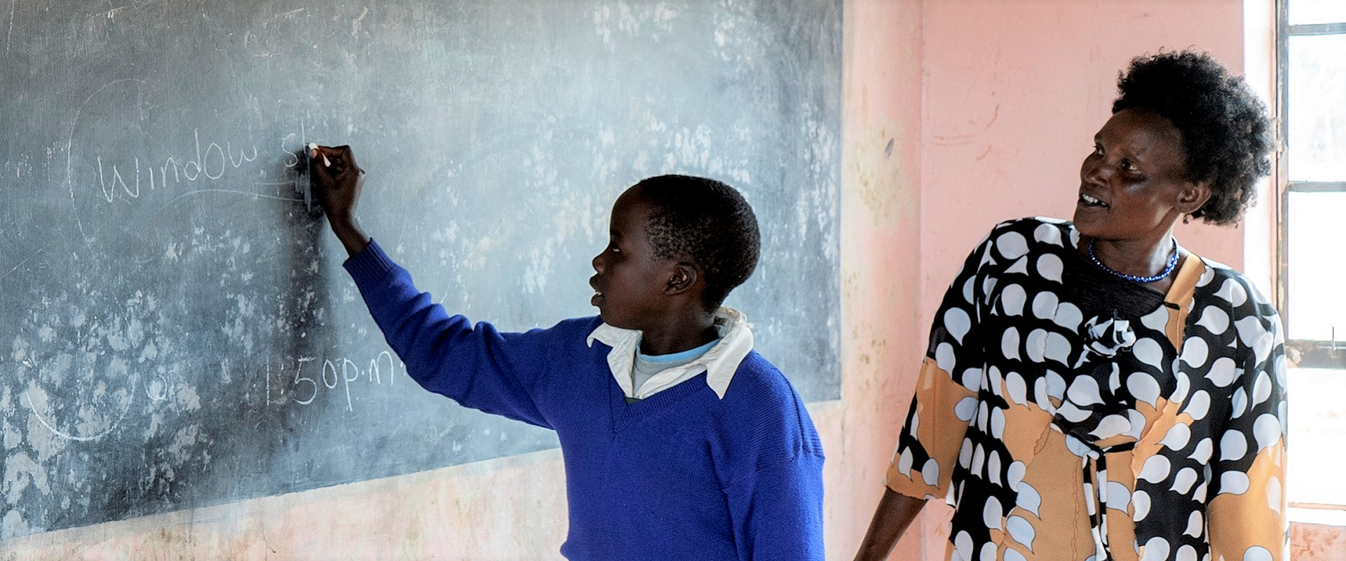 bambina scuola africa Mani Tese